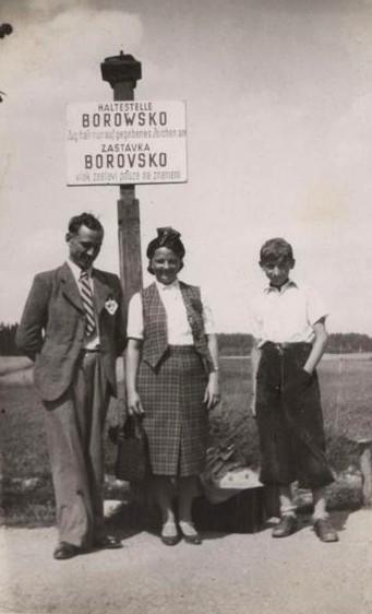 Rodinný snímek, okolo rokku 1940